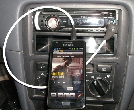 Connects Your Phone with Your Car